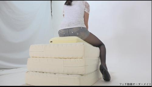 長身女性のクラッシュ動画