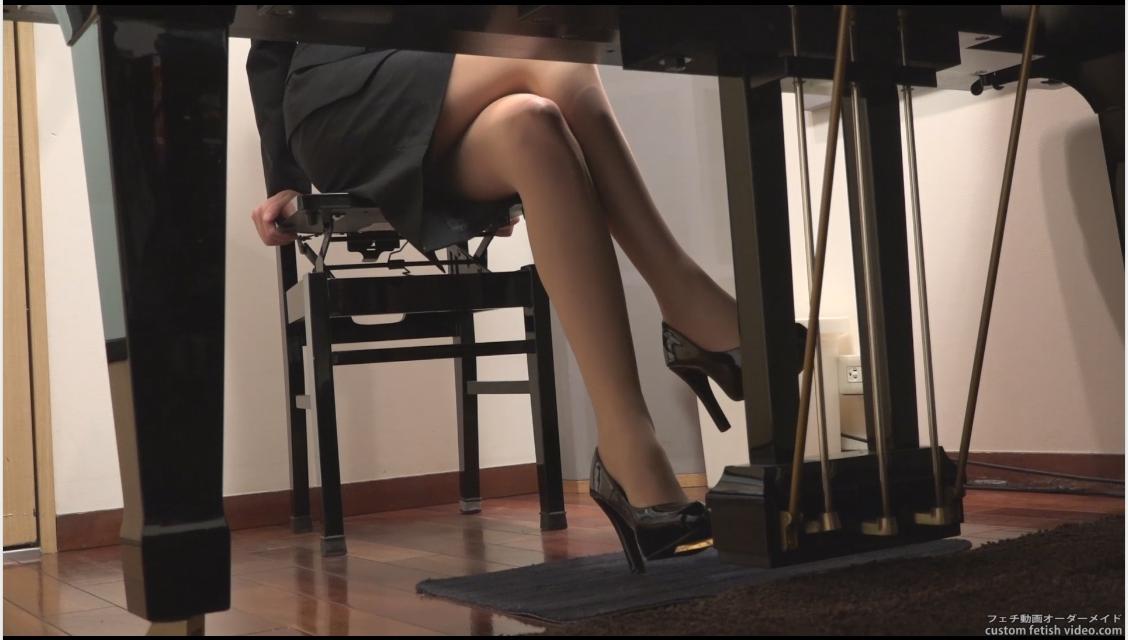 グランドピアノのペダルパンピング