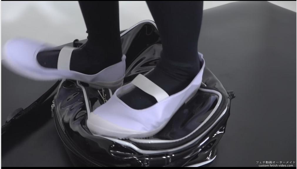 女性の靴の音フェチ